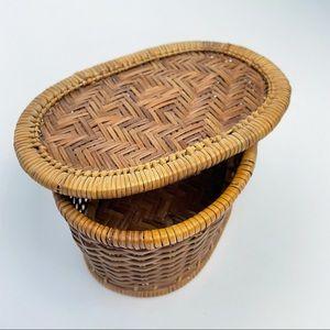 VINTAGE Wicker Basket Lid Brown Rattan
